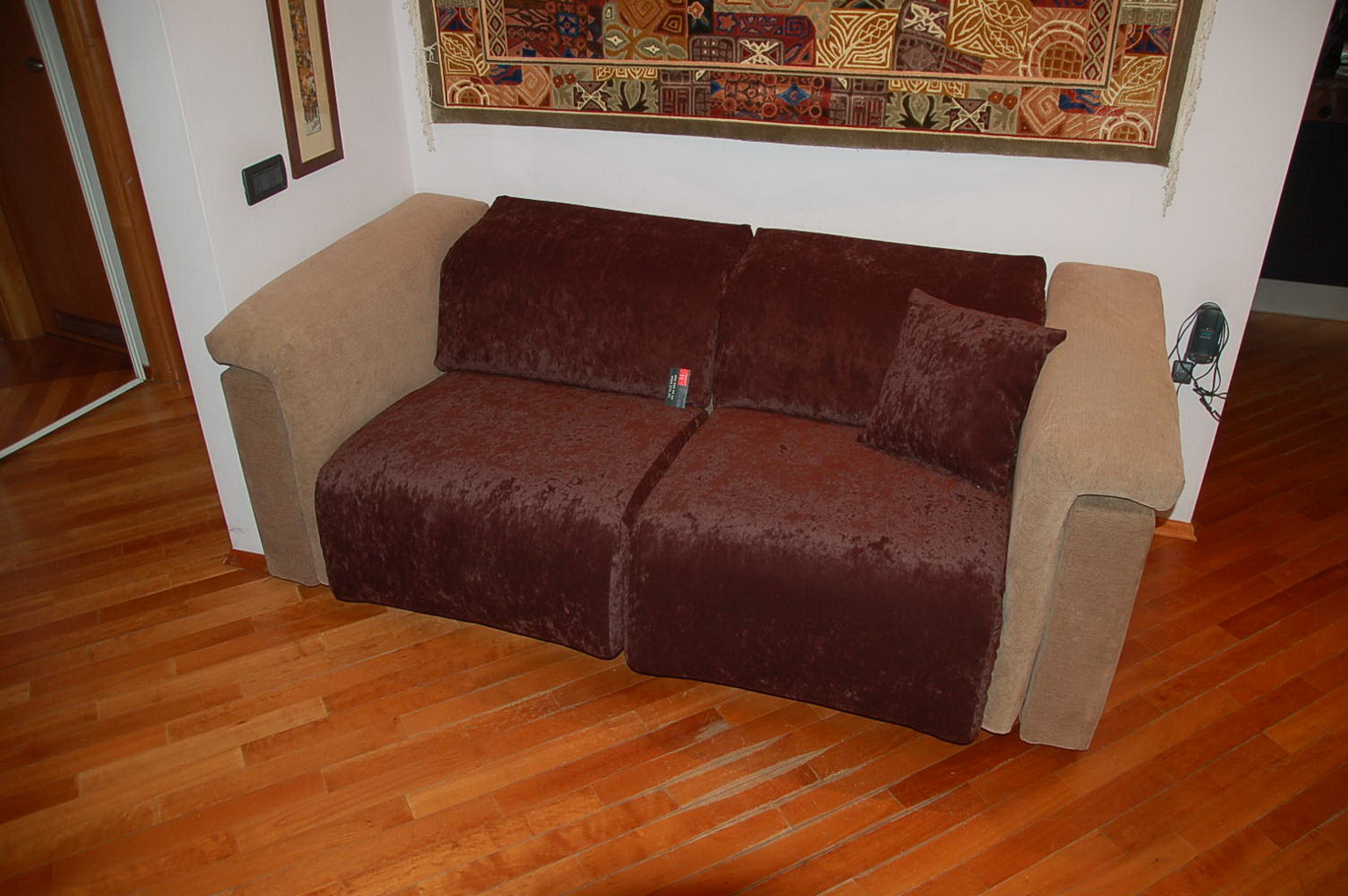Как обновить старый диван своими руками